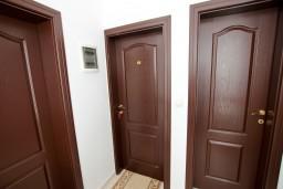 Будванская ривьера, Черногория, Петровац : Комната для 2-х человек, с кондиционером, с балконом