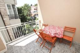 Балкон. Будванская ривьера, Черногория, Петровац : Апартамент для 4-6 человек, с 2-мя отдельными спальнями, 70 метров до моря