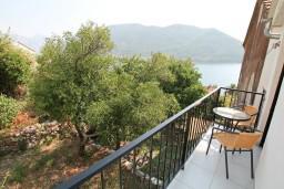 Боко-Которская бухта, Черногория, Пераст : Люкс апартамент для 2 человек, с отдельной спальней, с балконом с видом на море, 100 метров до пляжа