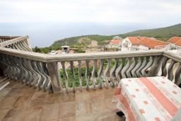 Балкон. Будванская ривьера, Черногория, Кримовица : Апартамент для 3-5 человек, с отдельной спальней, с балконом с видом на море