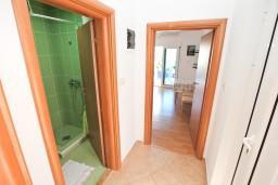 Боко-Которская бухта, Черногория, Столив : Апартамент для 2-4 человек, с отдельной спальней, с террасой с видом на море, 10 метров до пляжа