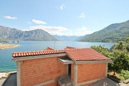 Боко-Которская бухта, Черногория, Моринь : Студия для 2-х человек, с террасой с видом на море, 50 метров до пляжа