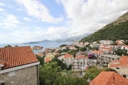 Вид на море. Будванская ривьера, Черногория, Святой Стефан : Апартамент с отдельной спальней, с балконом с видом на море