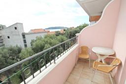 Балкон. Рафаиловичи, Черногория, Рафаиловичи : Студия с балконом с видом на море, 100 метров до пляжа