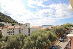 Вид на море. Рафаиловичи, Черногория, Рафаиловичи : Студия с балконом с видом на море, 100 метров до пляжа