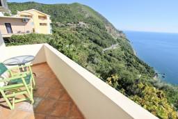 Балкон. Будванская ривьера, Черногория, Будва : Комната для 2-4 человек, с балконом с шикарным видом на море