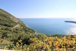 Вид на море. Будванская ривьера, Черногория, Будва : Комната для 2-4 человек, с балконом с шикарным видом на море
