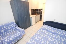 Студия (гостиная+кухня). Бечичи, Черногория, Бечичи : Студия для 2 человек, с балконом
