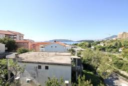 Вид. Бечичи, Черногория, Бечичи : Апартамент с отдельной спальней, с 2-мя балконами