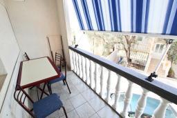 Балкон. Бечичи, Черногория, Бечичи : Апартамент для 4 человек, с 2-мя отдельными спальнями, с балконом