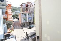 Вид. Будванская ривьера, Черногория, Бечичи : Студия в Бечичи с балконом в 400 метрах от моря
