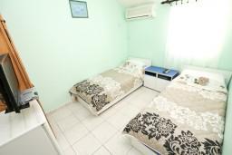 Спальня. Будванская ривьера, Черногория, Будва : Комната для 2 человек