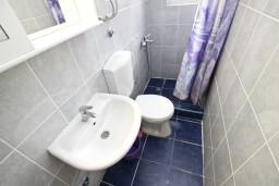 Ванная комната. Будванская ривьера, Черногория, Будва : Комната для 2 человек
