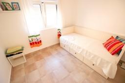 Спальня 2. Бечичи, Черногория, Бечичи : Современный апартамент для 3-4 человек, 2 отдельные спальни