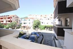 Вид. Будванская ривьера, Черногория, Будва : Комната для 3 человек, с балконом