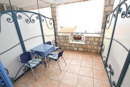 Балкон. Будванская ривьера, Черногория, Святой Стефан : Комната на 2-3 персоны, с балконом видом на море
