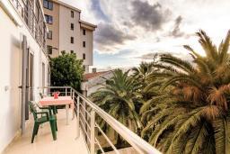 Балкон. Рафаиловичи, Черногория, Рафаиловичи : Апартамент для 4-6 человек, с 2-мя отдельными спальней, 30 метров до пляжа