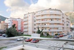 Вид. Будванская ривьера, Черногория, Будва : Апартамент с отдельной спальней, с балконом