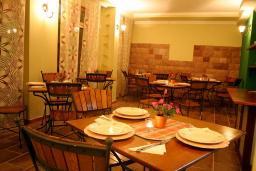 Кафе-ресторан. Garni Hotel Meduza 3* в Рафаиловичах
