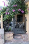 Вход. Бечичи, Черногория, Рафаиловичи : Апартамент №18 с отдельной спальней и террасой (АРР 04/garden)