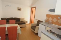 Гостиная. Бечичи, Черногория, Бечичи : Апартамент с отдельной спальней и частичным видом на море (№6 APP 03+1/SS)
