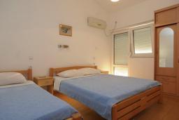 Спальня. Бечичи, Черногория, Бечичи : Апартамент с отдельной спальней и частичным видом на море (№6 APP 03+1/SS)