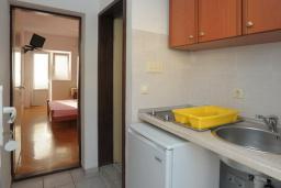 Студия (гостиная+кухня). Бечичи, Черногория, Бечичи : Двухместная студия с видом на море (№2 Studio 02/ SV)