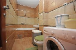 Ванная комната 2. Бечичи, Черногория, Будва : Апартамент с 2-мя спальнями (APP 04+1)