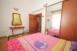 Спальня. Бечичи, Черногория, Будва : Апартамент с 2-мя спальнями (APP 04+1)