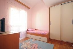 Спальня 2. Бечичи, Черногория, Будва : Апартамент с 2-мя спальнями (APP 04+1)