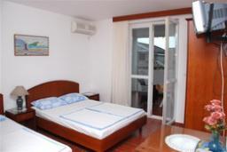 Студия (гостиная+кухня). Бечичи, Черногория, Будва : Студио с балконом (№4 Studio 03)