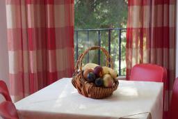 Гостиная. Бечичи, Черногория, Будва : Апартамент с балконом 4*