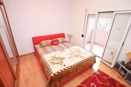 Спальня 2. Продается квартира в Каваце. 72м2, гостиная, 2 спальни, 2 балкона, 2.5 км до моря, цена - 75'000 Евро. в Каваче