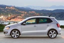 Volkswagen Polo  1.2 автомат : Боко-Которская бухта, Черногория