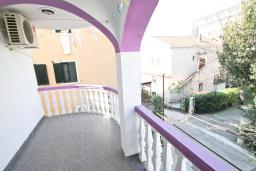 Балкон. Будванская ривьера, Черногория, Будва : Комната для 2-х человек, с кондиционером и балконом