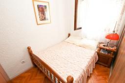 Спальня. Продается квартира в Будве, Бабилония. 36м2, гостиная, спальня, 400 метров до моря, цена - 70'000 Евро. в Будве