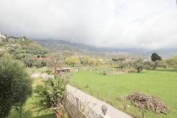 Вид. Будванская ривьера, Черногория, Булярица : Люкс апартамент с гостиной, с отдельной спальней, с балконом с видом на горы