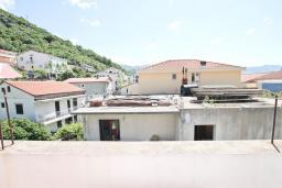 Вид. Будванская ривьера, Черногория, Будва : Апартамент с 2-мя отдельными спальнями, с 2-мя балконами