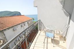 Вид на море. Будванская ривьера, Черногория, Булярица : Студия на пляже Булярицы, с видом на море