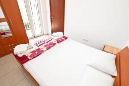Спальня 2. Будванская ривьера, Черногория, Булярица : Апартамент с 2-мя отдельными спальнями, с 2-мя балконами
