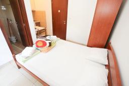 Студия (гостиная+кухня). Будванская ривьера, Черногория, Булярица : Студия в Булярице с балконом