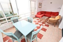 Балкон. Будванская ривьера, Черногория, Булярица : Апартамент с отдельной спальней, с шикарным видом на море, возле пляжа