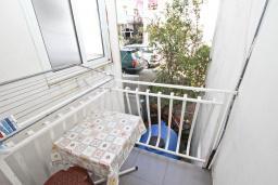 Балкон. Будванская ривьера, Черногория, Рафаиловичи : Студия в Рафаиловичи с балконом, 15 метров от пляжа
