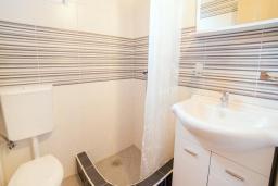 Ванная комната. Будванская ривьера, Черногория, Булярица : Двухместный номер-студио Комфорт с балконом