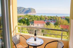 Вид на море. Будванская ривьера, Черногория, Булярица : Двухместный номер-студио с балконом и видом на море