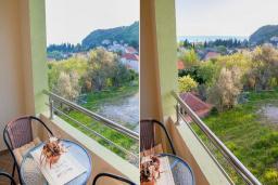Балкон. Будванская ривьера, Черногория, Булярица : Трехместный номер-студио с балконом и частичным видом на море