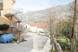 Боко-Которская бухта, Черногория, Муо : Уютная двухместная студия в 30 метрах от пляжа, с террасой и видом на море