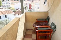 Балкон. Рафаиловичи, Черногория, Рафаиловичи : Апартамент с двумя отдельными спальнями и ванными комнатами, для 4 человек