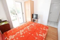 Рафаиловичи, Черногория, Рафаиловичи : Двухместная комната с балконом, общая кухня