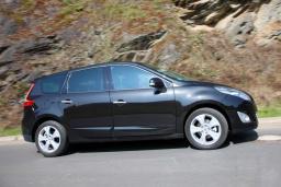 Renault Grand Scenic 1.5 автомат : Бечичи, Черногория